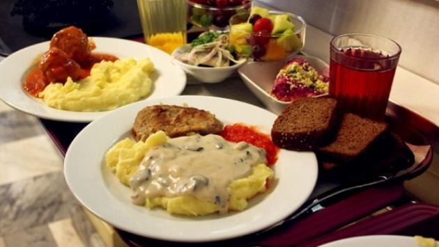 В Ингушетии и Чечне самые дорогие школьные обеды в СКФО