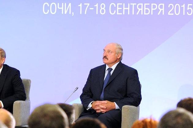 Лукашенко объяснил, почему он «шпарит» порошковое молоко в Казахстан