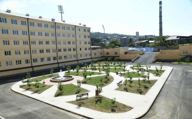 Здание филиала МГУ в Ереване. © Photolure