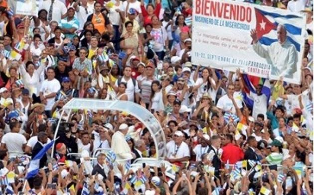 Папа Римский встретился с Фиделем Кастро в Гаване