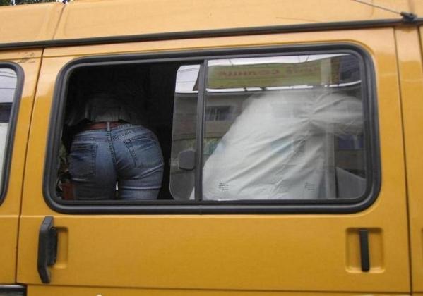 Новые штрафы за «стоячих» пассажиров не повысят безопасности в маршрутках