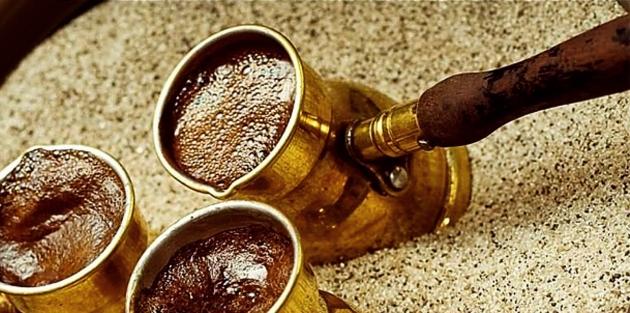 Кофе приготовленный на песке.