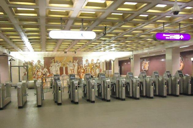 В Петербурге предлагают поднять цену разового проезда в транспорте