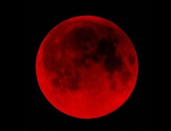 Над Землей снова взойдет кровавая Луна