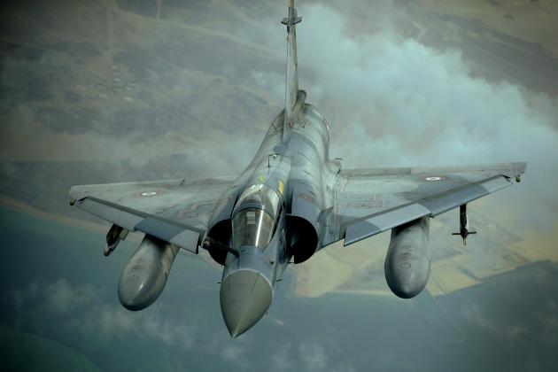 Париж: французские ВВС начали наносить авиаудары по ИГ в Сирии