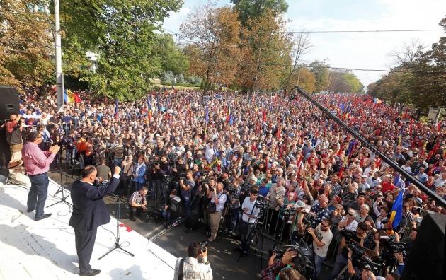 Протестующие левые в Молдавии выдвинули ультиматум президенту