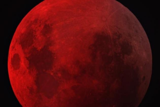 Кровавая луна Фото с сайта  http://bloknot.ru/wp-content/uploads/2015/04/luna1.jpg