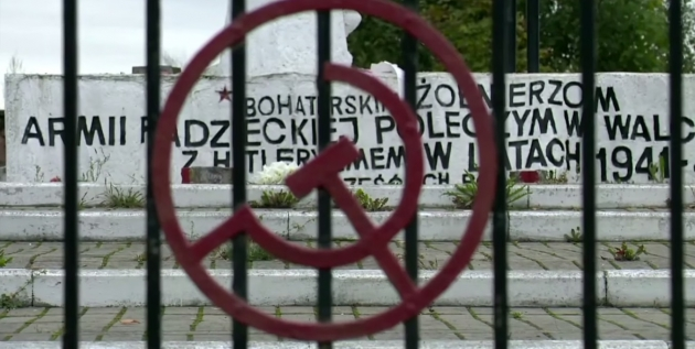 Польша, граффити. 25.09.2015.  Цитата: «Черное на белом» tvn24.pl