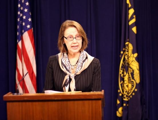 Эллен Розенблюм—  генеральный прокурор штата Орегон.