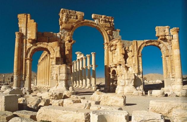 Триумфальная арка в Пальмире (II век до н. э.).