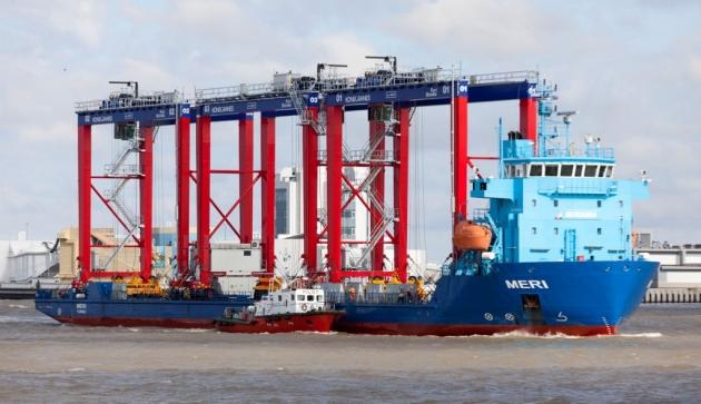 Выгрузка портовых кранов для порта Бронка.