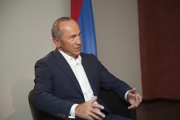 Второй президент Армении подверг резкой критике проект новой Конституции