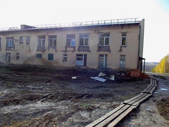 Так выглядел корпус детского отделения 1 октября 2015 года— сайдинг отсутствовал. Фото Юрия Красильникова