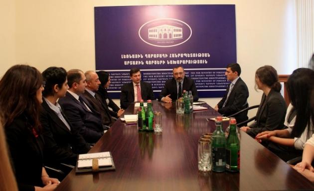 Глава МИД Нагорного Карабаха принял студентов Дипломатической школы Армении