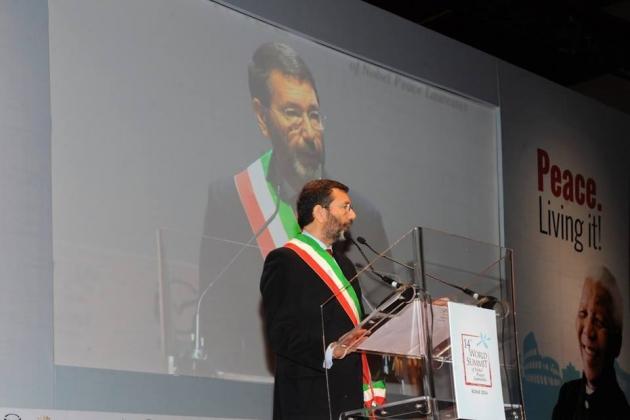 Мэр Рима подал в отставку из-за уличения в коррупции