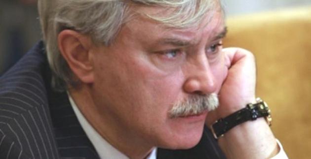 Король умер: кто реально правит в Петербурге?
