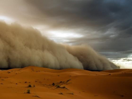 Буря в пустыне.