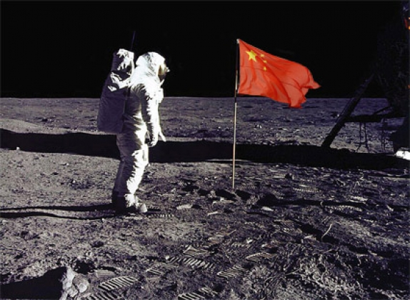 Космонавт КНР на Луне. Коллаж: planeta.moy.su