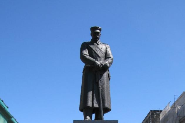 Памятник Юзефу Пилсудскому в Варшаве.