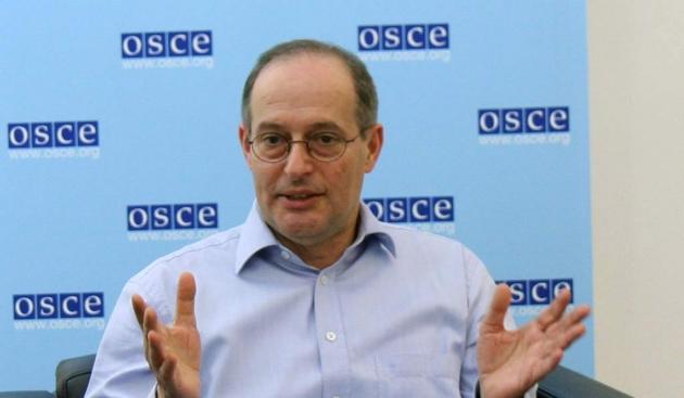 Спецдокладчик ООН Миклош Харасти.