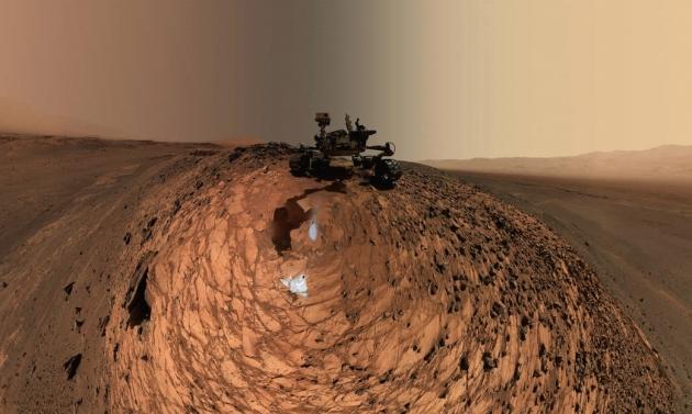 Марсоход в районе марсианского кратера Гейл.