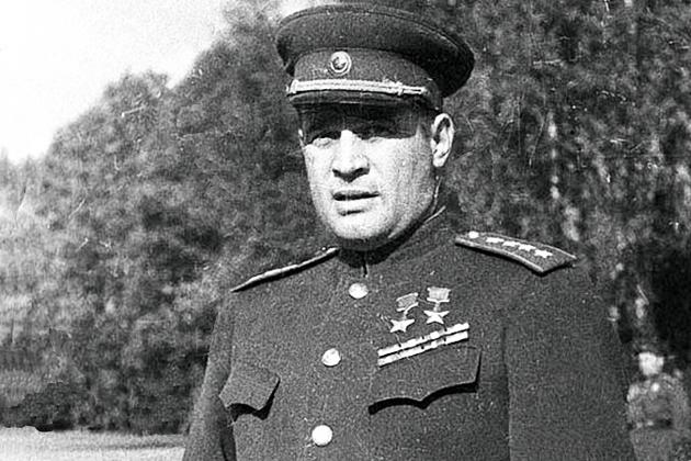 На севере Москвы установят бюст генерала Черняховского