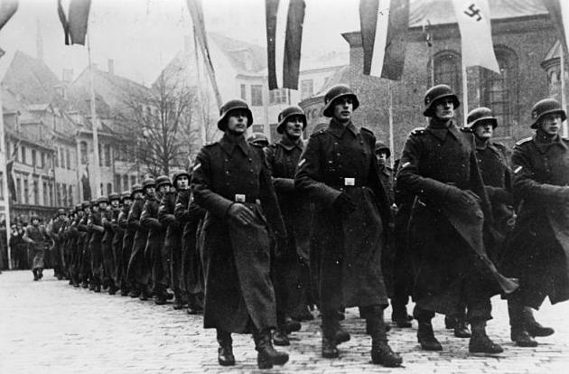 Латышский добровольческий легион СС. Рига, Домская площадь. 18 ноября 1943 года