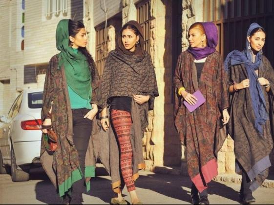 Платок и политика: что женская одежда может рассказать об Иране?