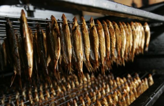 Латвия жалуется, что Россия не хочет покупать шпроты