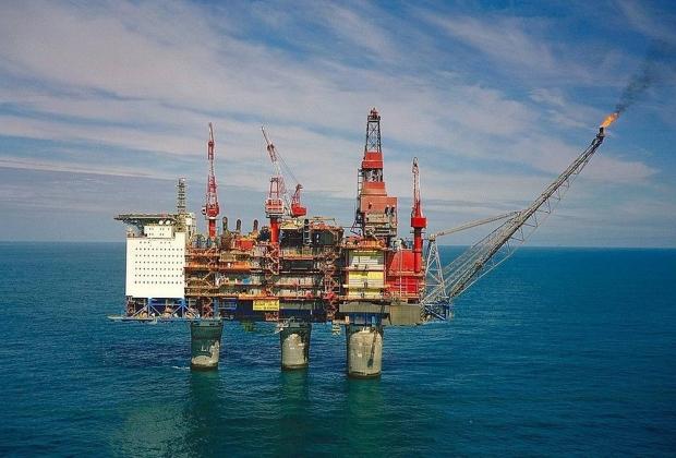 Норвежская платформа для добычи нефти в Северном море
