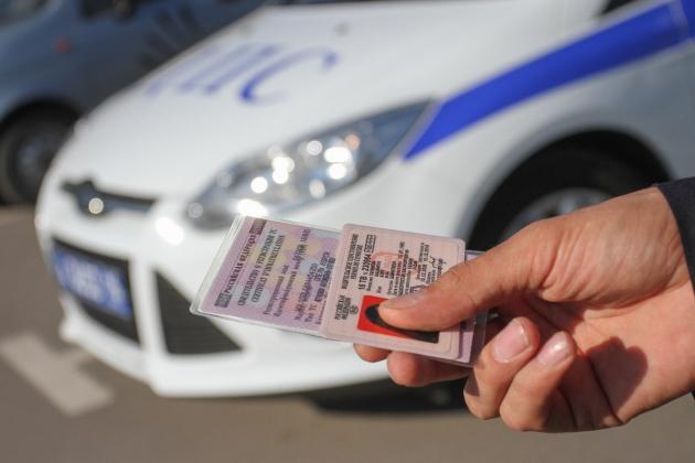 В Якутии первый должник временно лишился водительских прав