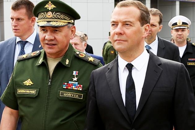 Дмитрий Медведев, Сергей Шойгу