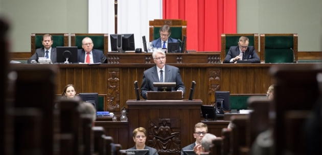 К кому обращался Витольд Ващиковский, когда говорил о внешней политике Польше — иностранным политикам или польским избирателям?