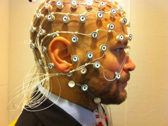 Ученые из США смогли расшифровать мысли человека в реальном времени