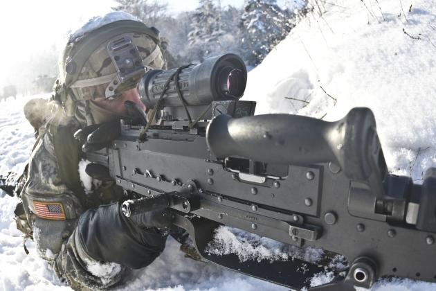 Армия США в ходе учений в Хоэнфельсе, Бавария. Январь 2016 года