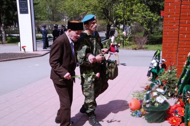 Праздничные мероприятия на Мемориале Славы в Тальменке