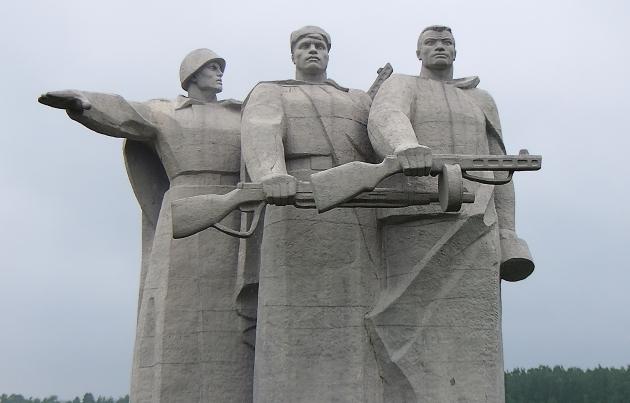Мемориал Героям Панфиловцам в Нелидово