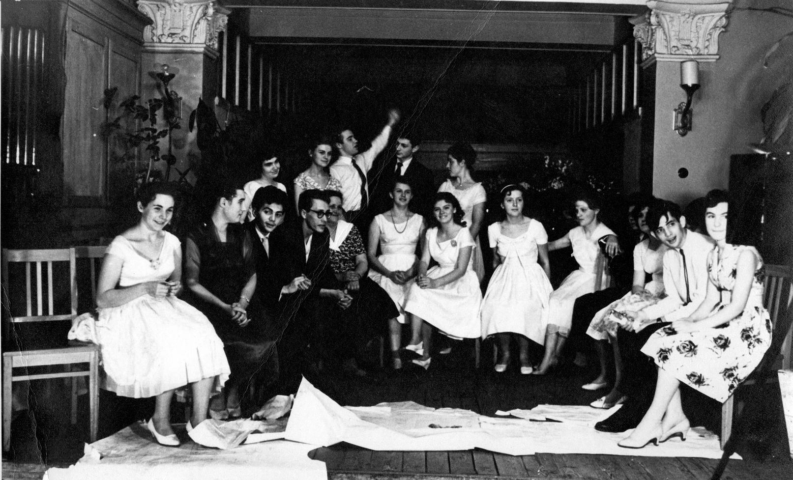 Выпускной вечер в МССМШ им. Гнесиных. 1961