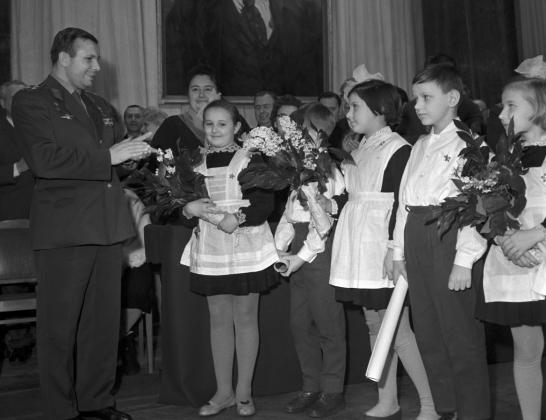 Юрий Гагарин в музыкальном училище имени Гнесиных, 1964 год.