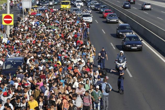 Колонна беженцев летом 2015 года
