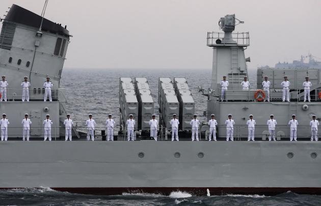 Офицеры ВМФ Китая