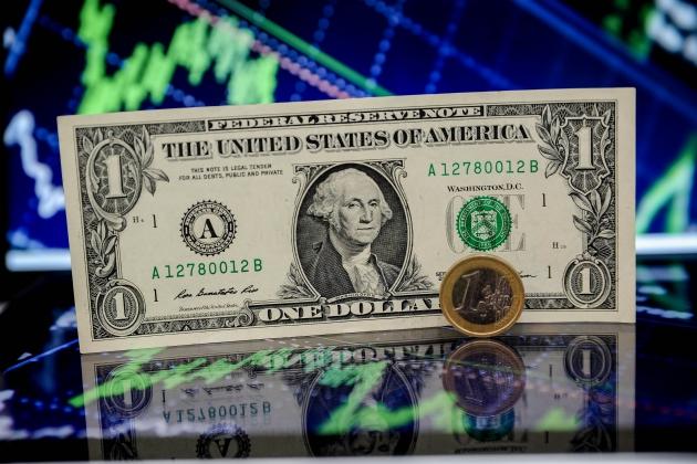 Доллар и евро в аутсайдерах