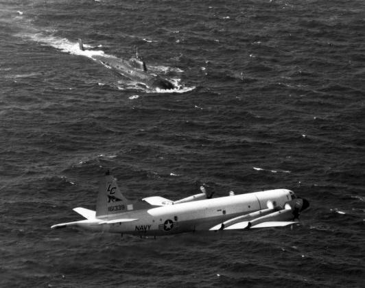 «Такая вот проктология»: как советская подлодка таранила авианосец США