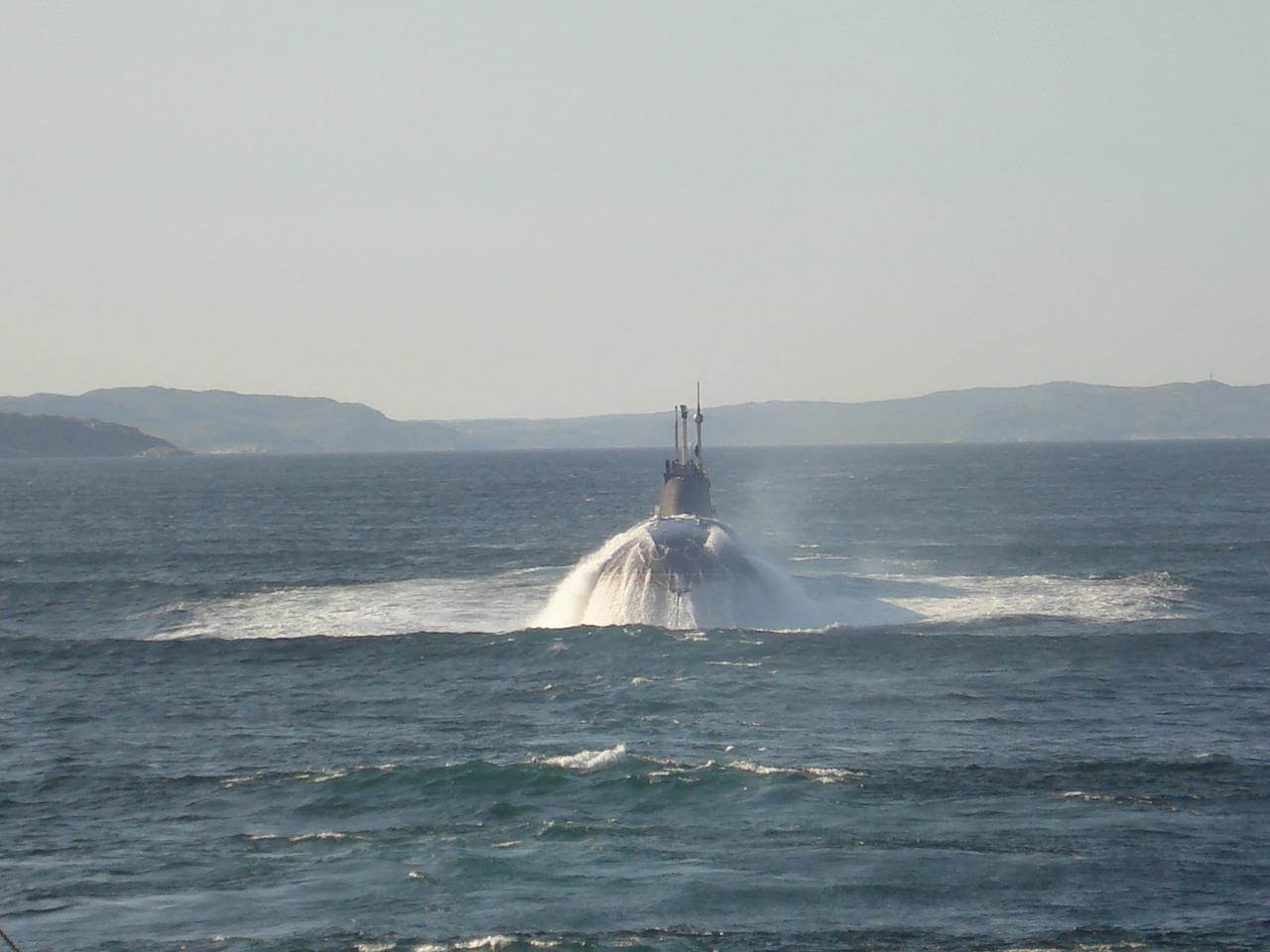 Всплытие подводной лодки проекта  671  «Ёрш»