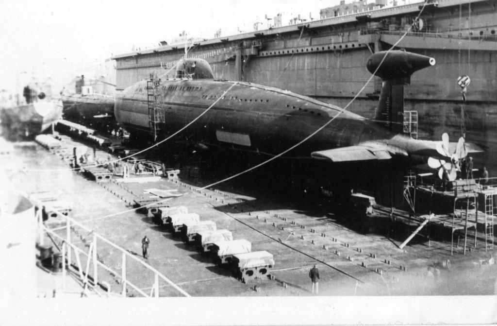 Лодка проекта 671 «Ёрш» в доке