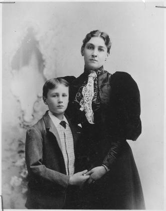 Ф.Д.Рузвельт в 11 лет с матерью, 1893