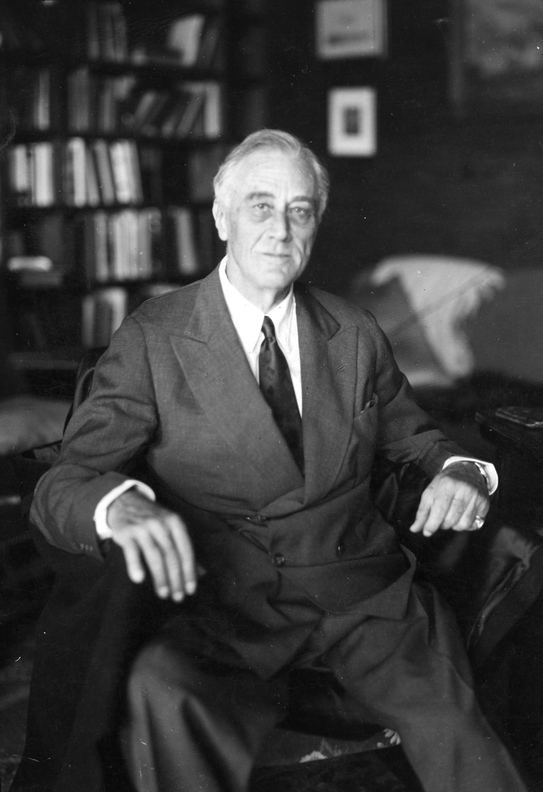 an analysis of roosevelt a liberal and hoover a conservative in american history