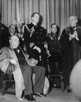 Черчилль собирается произносить Фултонскую речь