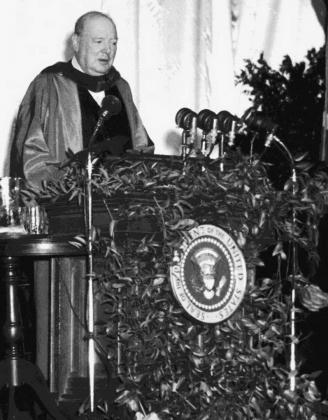 Уинстон Черчилль произносит Фултонскую речь