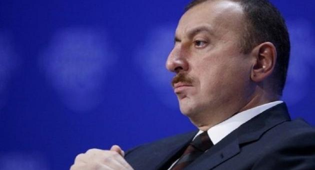 Кто на ковре перед Обамой: Алиев или Саргсян?